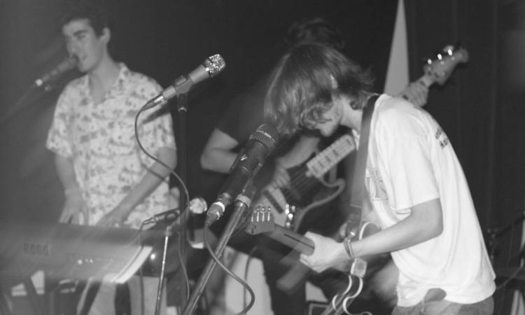 fleece-band-montreal-live