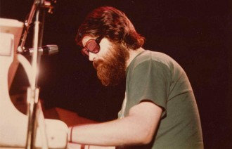 brian-wilson-sunglasses-beard
