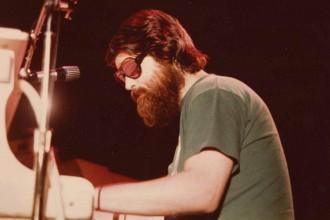 brian-wilson-sunglasses-beard