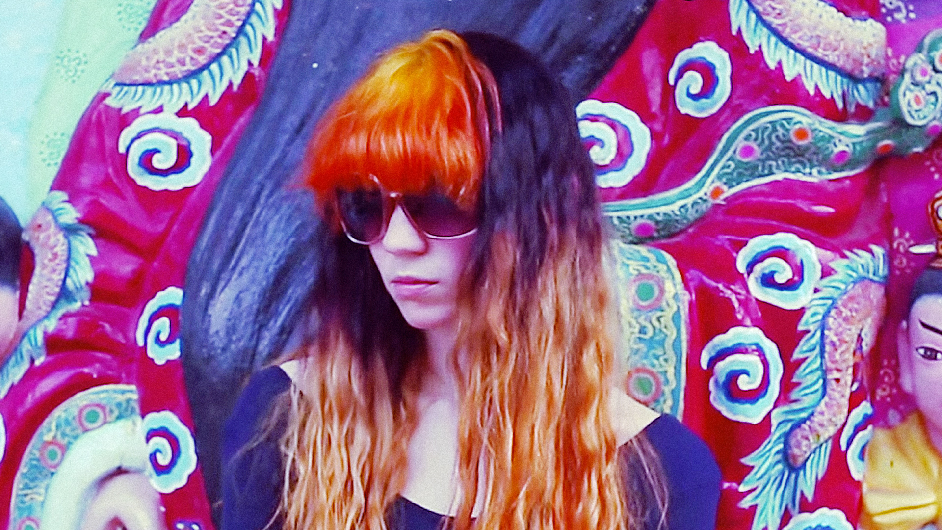 grimes-realiti-orange-hair-sunglasses